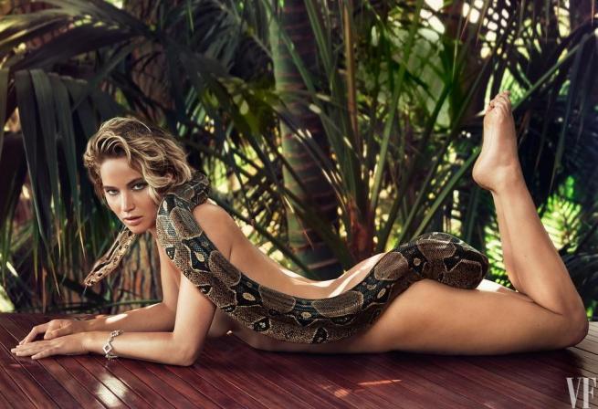 Jennifer Lawrence, la prima volta nuda è con un serpente